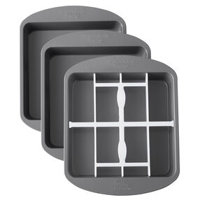 Square Checkerboard Cake Pan Set