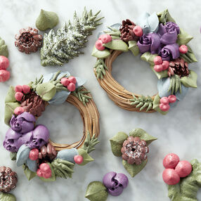 Easy Blooms Winter Wreath Meringue Cookies