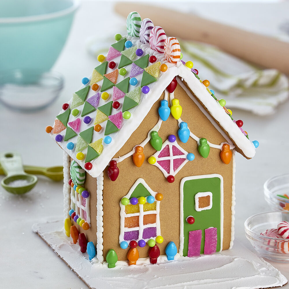 Tinsel Dreams Gingerbread House Wilton