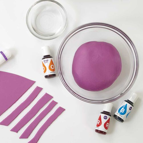 How to Color Fondant | Wilton