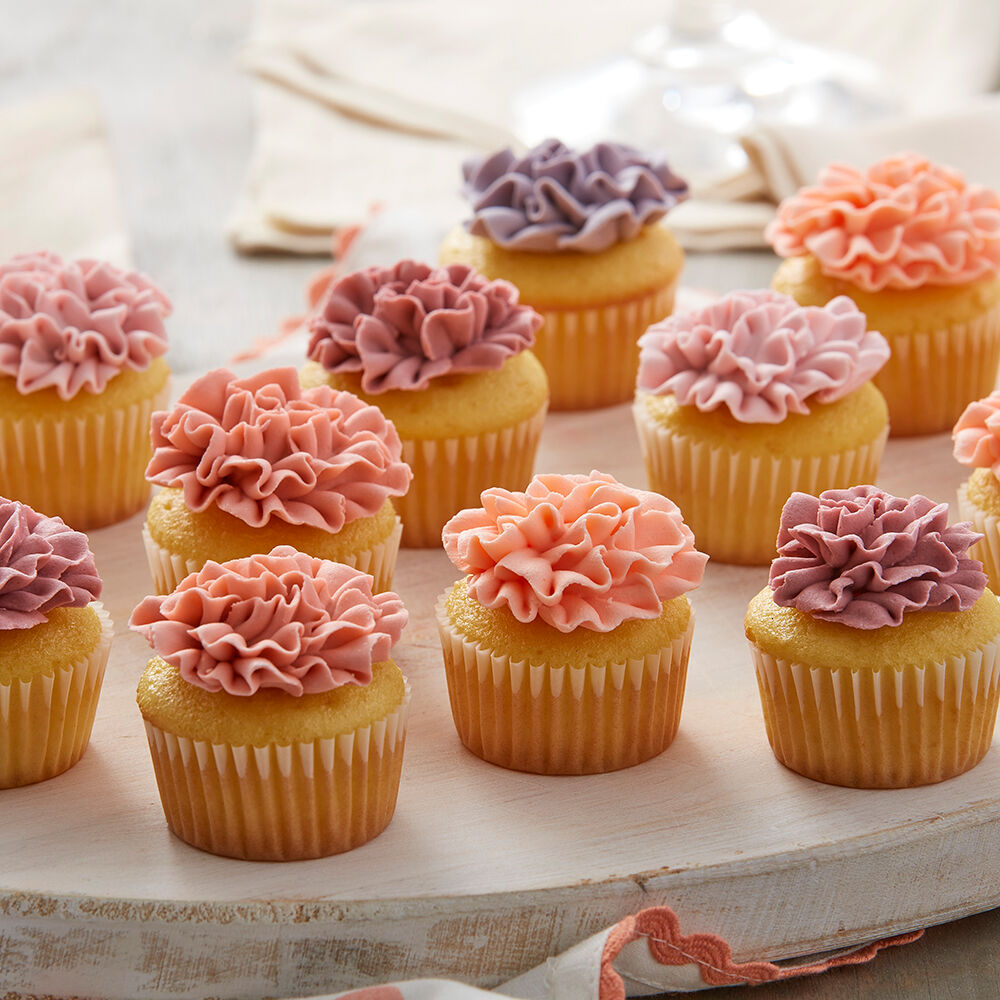 Carnation mini cupcakes wilton Cupcake decorating ideas