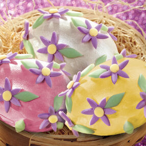 Daisy-Dotted Easter Eggs