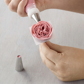 How to Make a Buttercream English Rose
