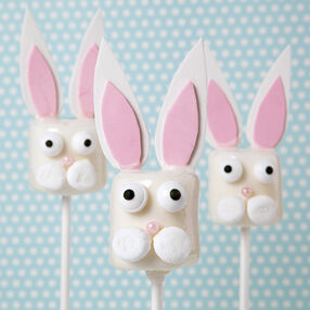 Candy-Dipped Bunny Marshmallow Pops