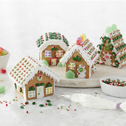 Holiday Fun Large Classic Gingerbread Cottage