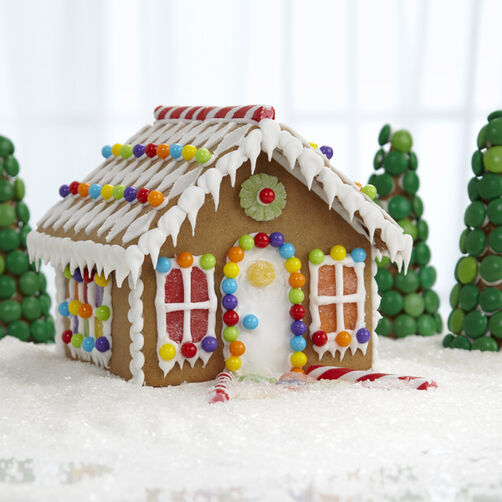 Diamond-Detailed Petite Gingerbread House
