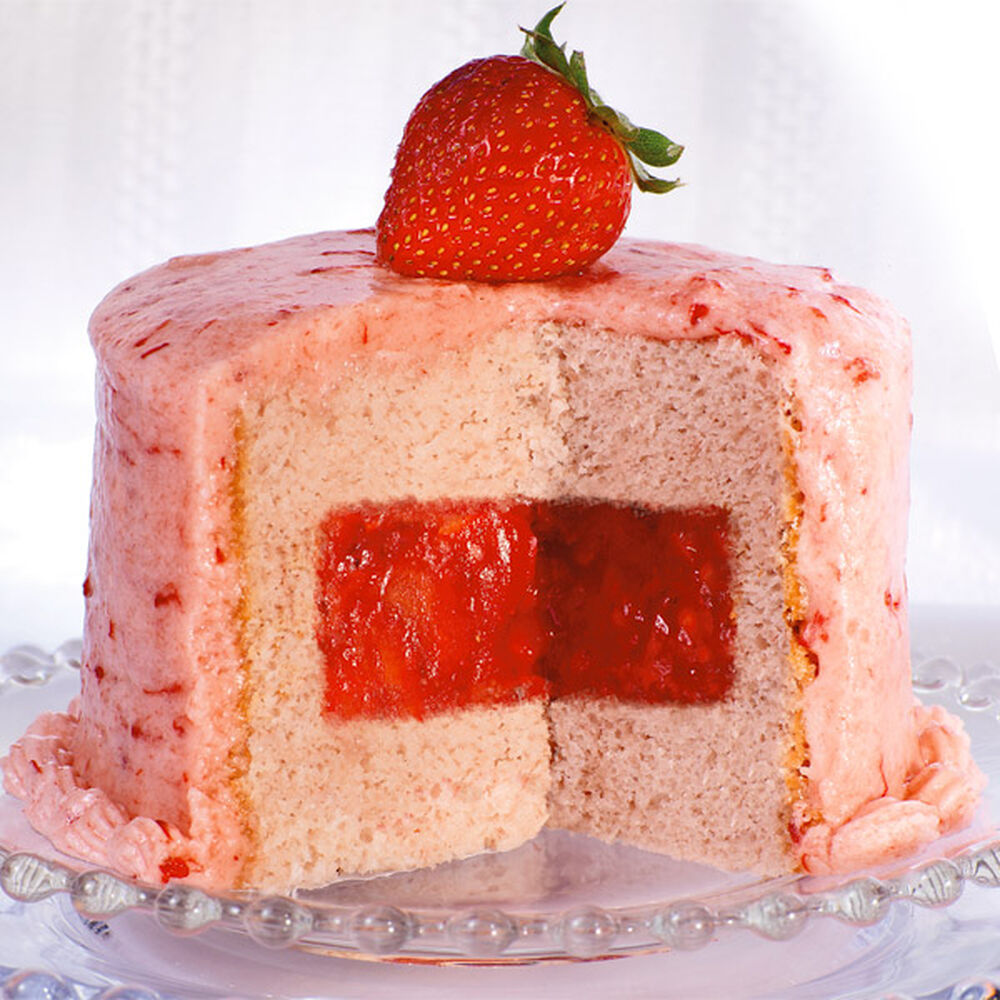 Lemon Cake With Strawberry Filling