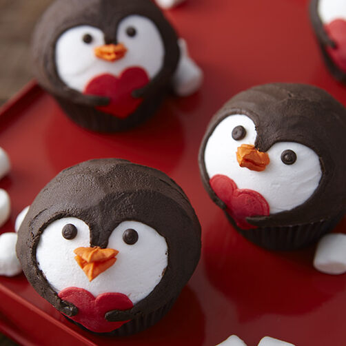 penguin valentines day cupcakes