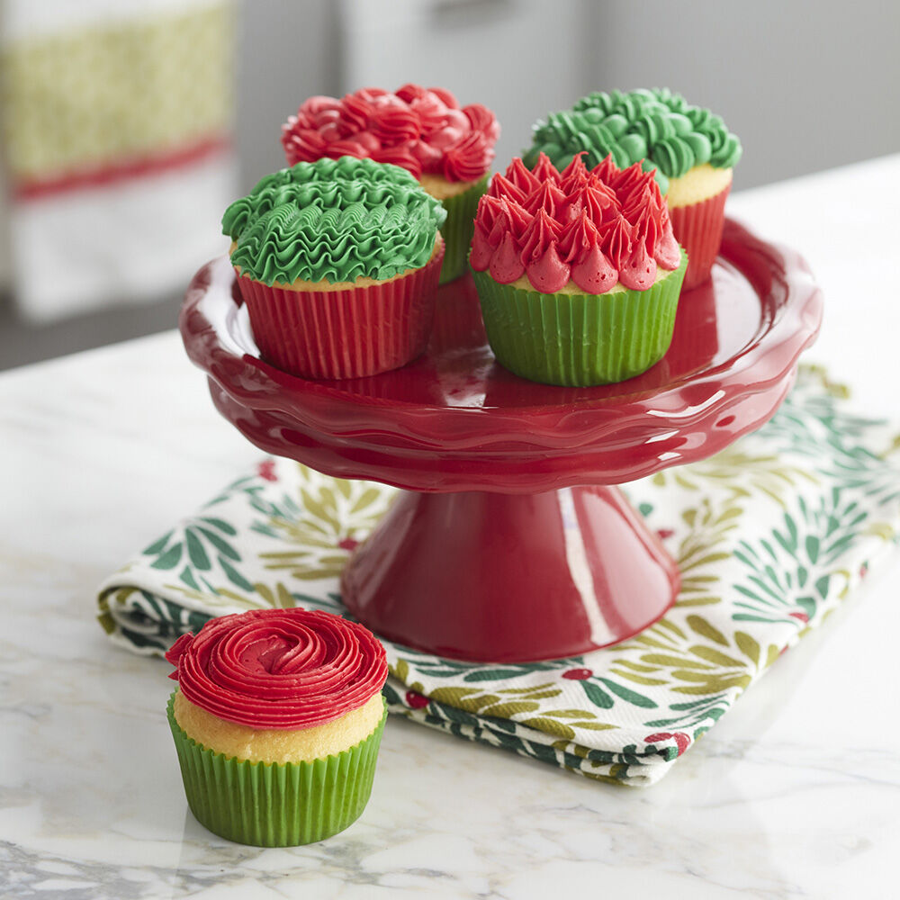 Cupcake Design Kitchen Accessories: Holly Jolly Duo Tip Cupcakes