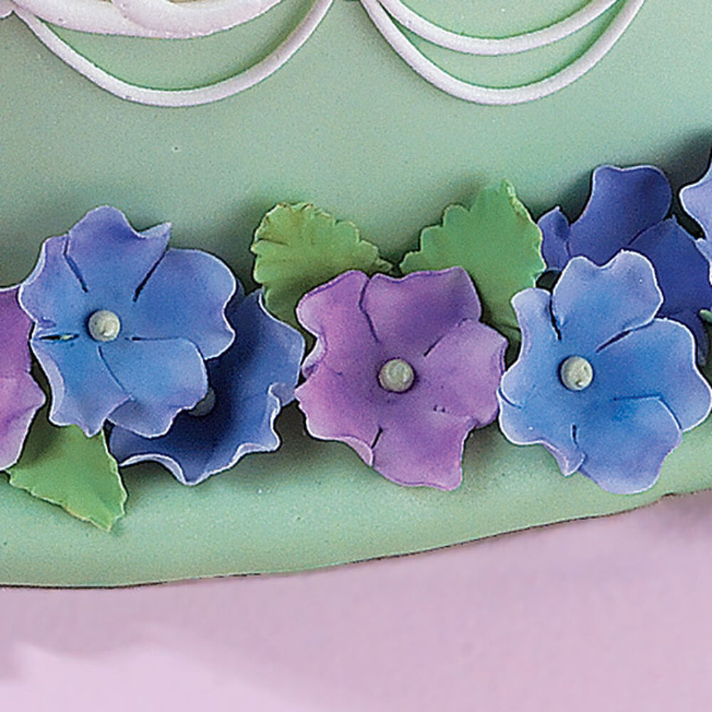 Gum Paste Flowers And Leaves Wilton