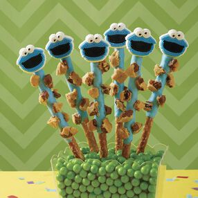 Cookie Monster Cookie Pretzels