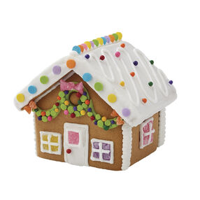 Winter Wonderland Gingerbread Village Classic Cottage with Garland Front