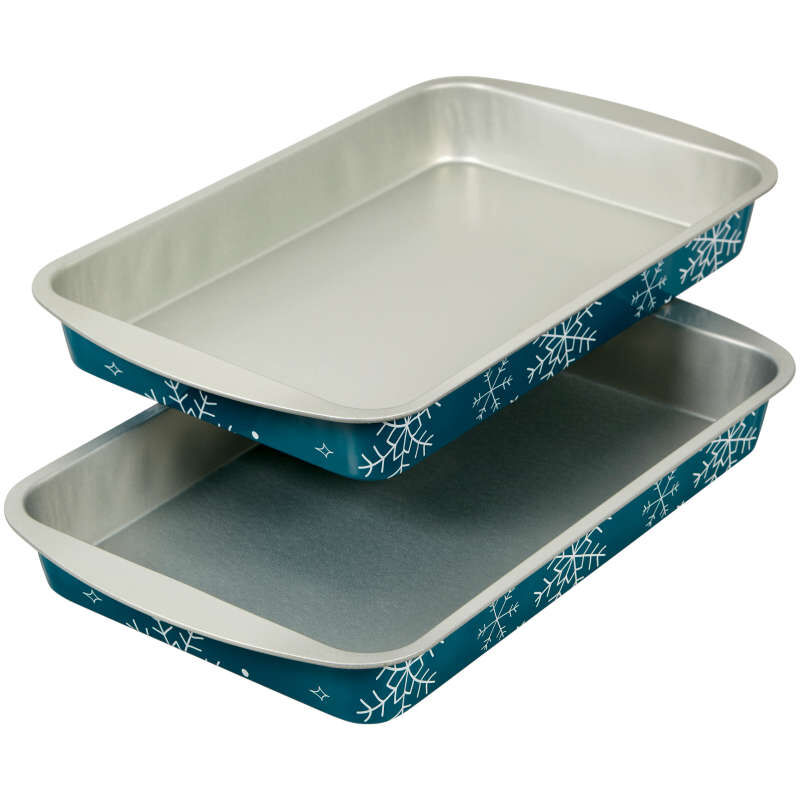 Bake and Bring Snowflake Print Non-Stick 11 x 7-Inch Oblong Pan Set, 2-Count image number 3