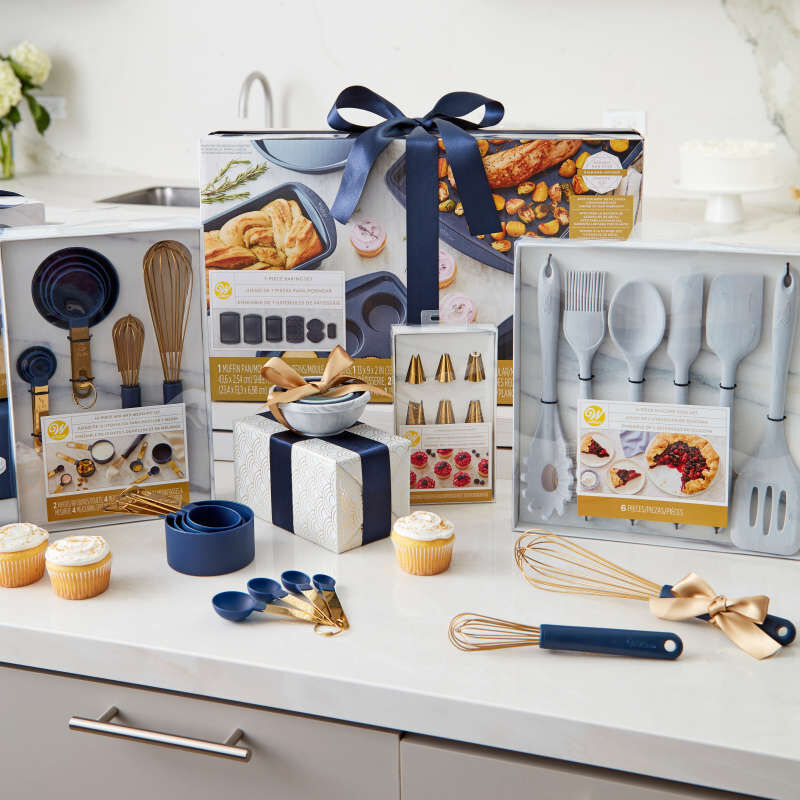 Navy and Gold Nesting Measuring Cups with Snap-On Ring, 4-Count