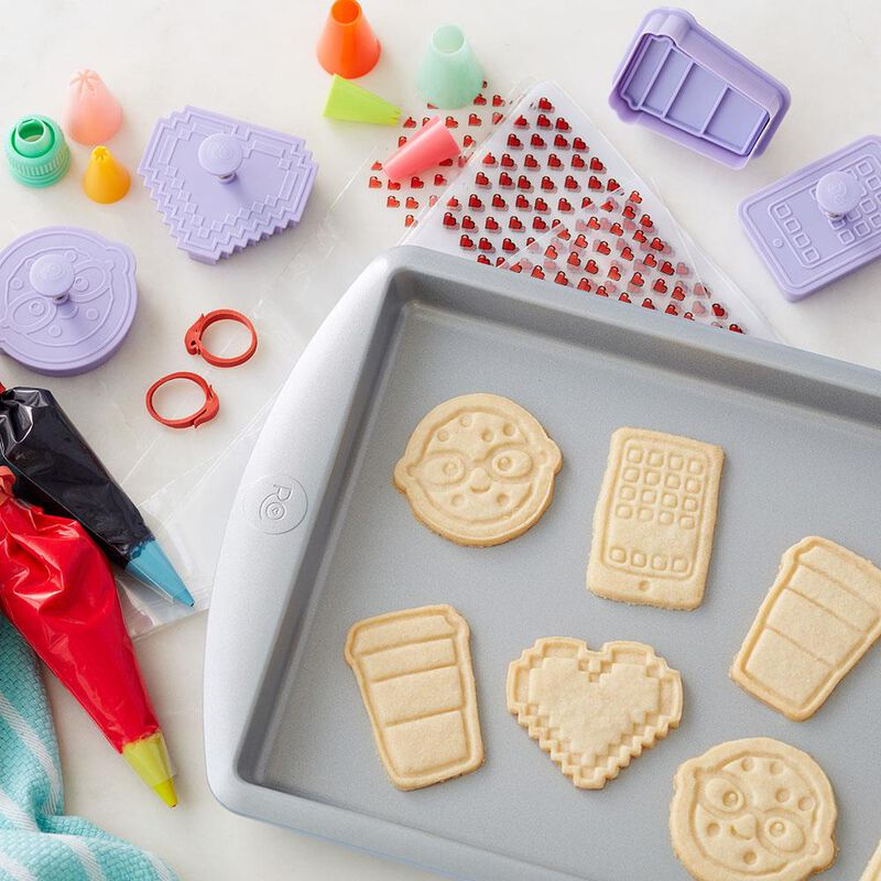Cookie Baking and Decorating Set image number 3