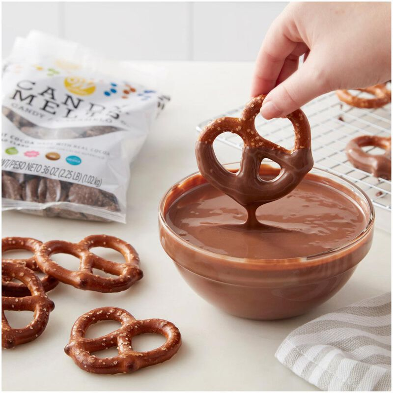 Light Cocoa Candy Melts image number 1