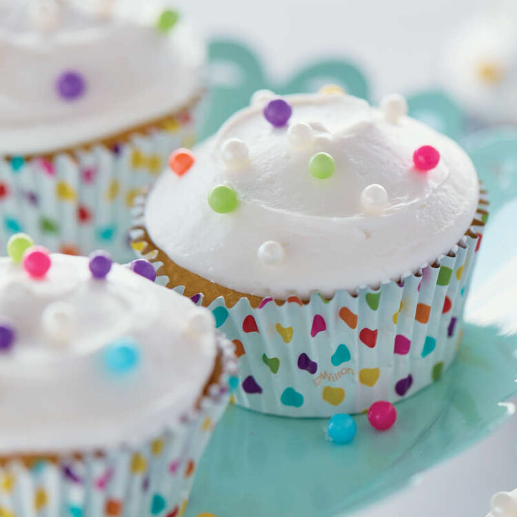 Simple Vanilla Cupcakes with Sprinkles