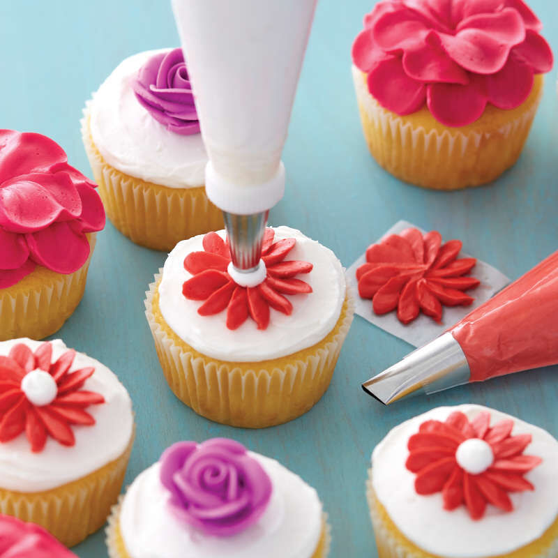 Starter Decorating and Piping Tip Set, 9-Piece image number 4