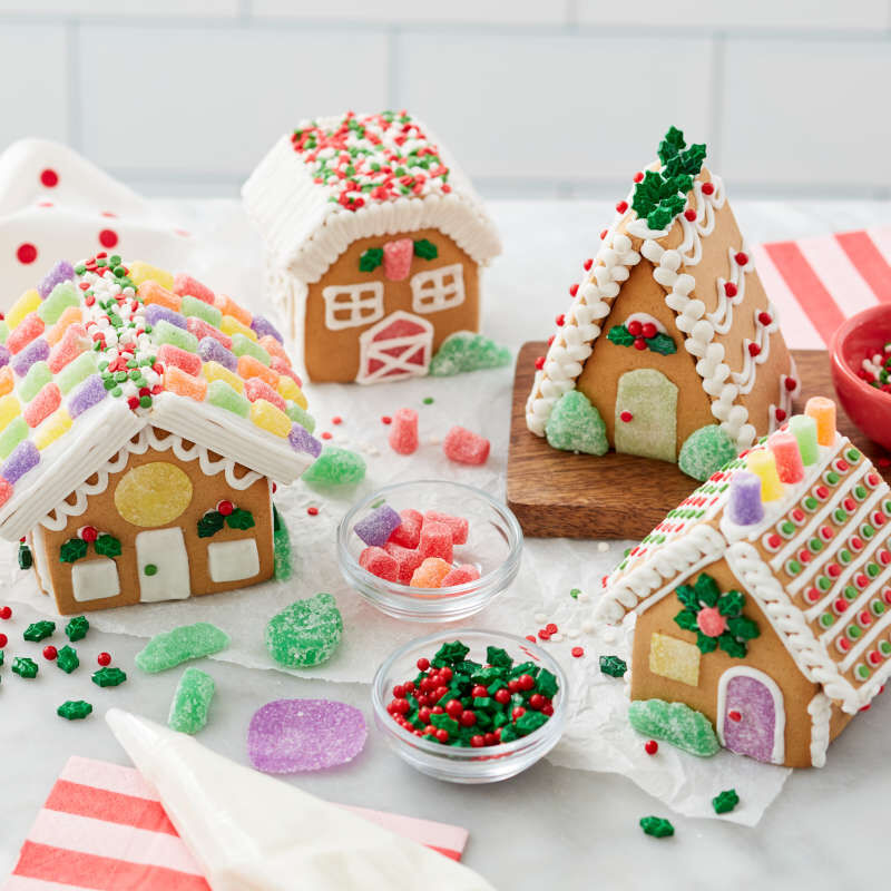 Build it Yourself Welcome to Christmas Mini Village Gingerbread Decorating Kit image number 3