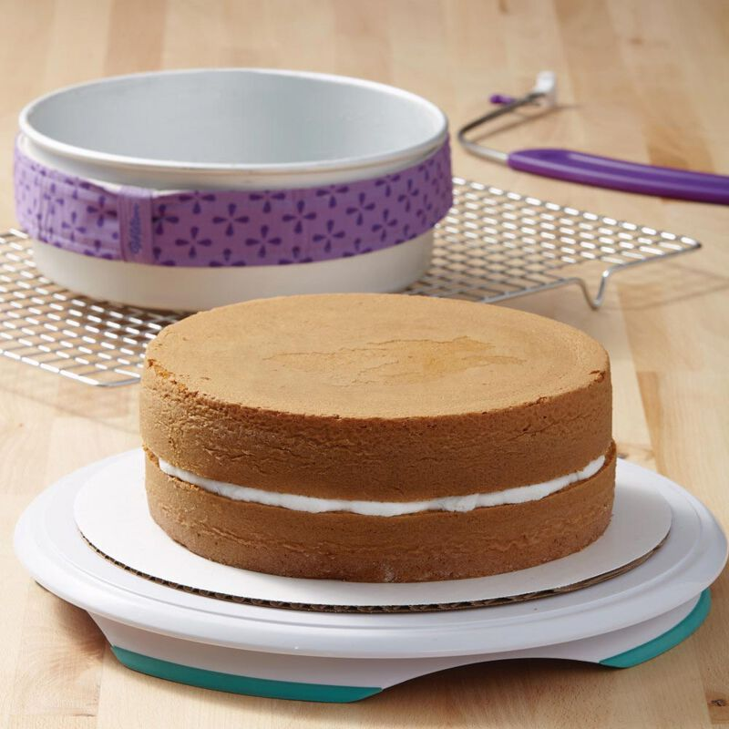 Performance Aluminum Pans 9-Inch Round Cake Pan image number 7