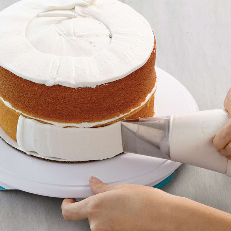 Cake Decorating Kit for Beginners - Lifter, Spatula, Icing Tip/Smoother, and Disposable Decorating Bags image number 5