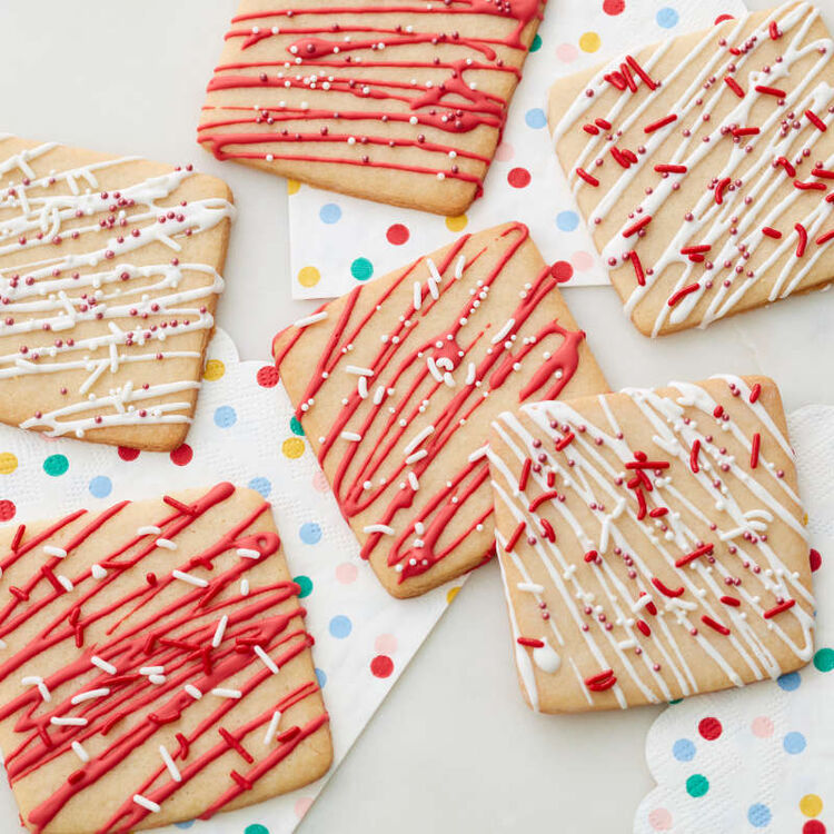 Red Candy Melt Drizzling sugar cookies