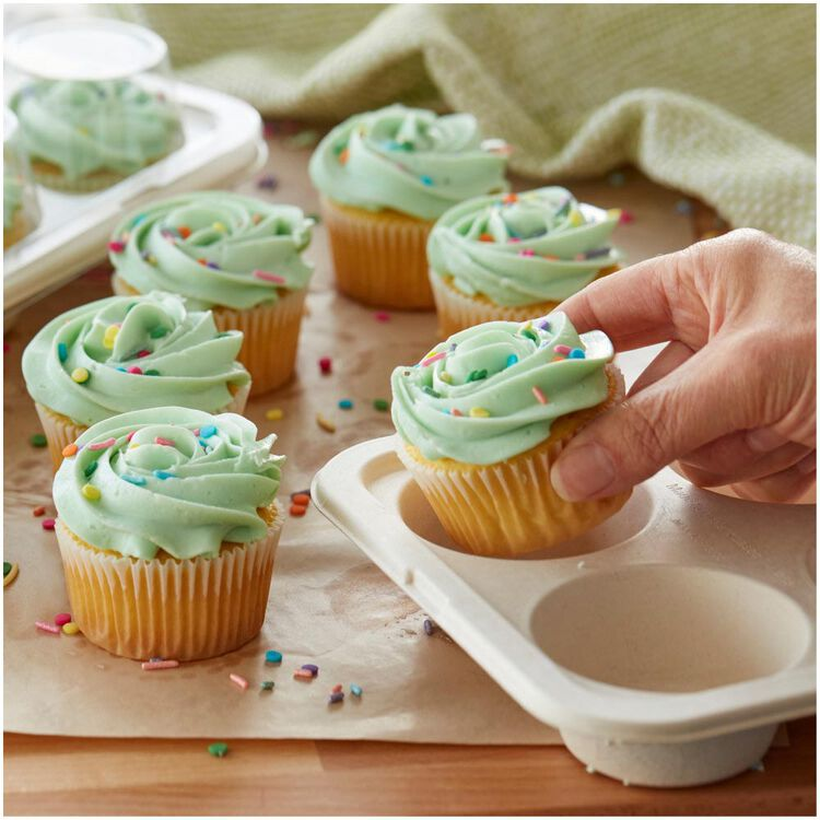Disposable 6-Cup Muffin Baking Pans with Lids, 2-Count