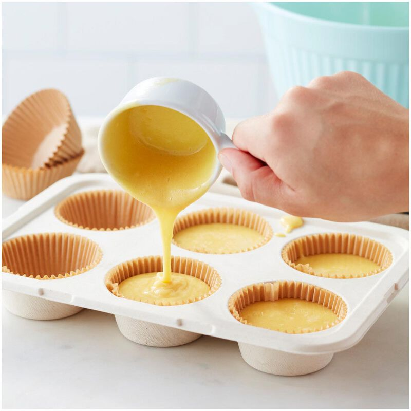 Disposable 6-Cup Muffin Baking Pans with Lids, 2-Count image number 4