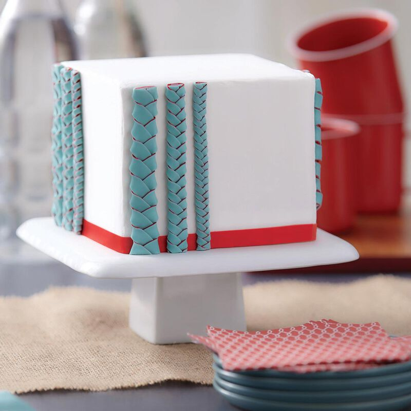 """I Taught Myself To Decorate Cakes With Fondant"" Book Set - Fondant Cutter and Tools image number 5"