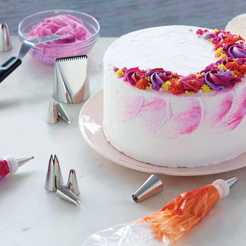 How to Decorate Cakes and Desserts Kit, 39-Piece image number 4