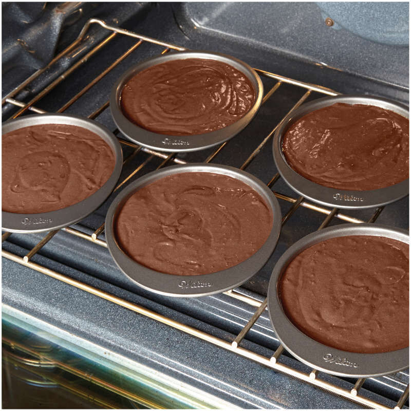 Easy Layers 5-Piece Layer Cake Pan Set, 6-Inch image number 4