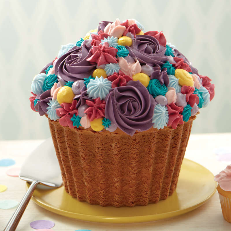 Floral Giant Cupcake Cake image number 3