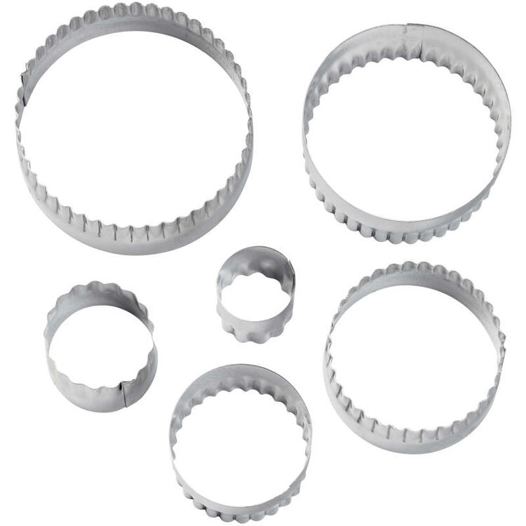 417-2581-Wilton-Double-Sided-Round-Cut-Outs-Set-6-Piece-A2.jpg