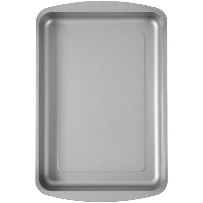 Bake and Bring Geometric Print Non-Stick 13 x 9-Inch Oblong Pan image number 3