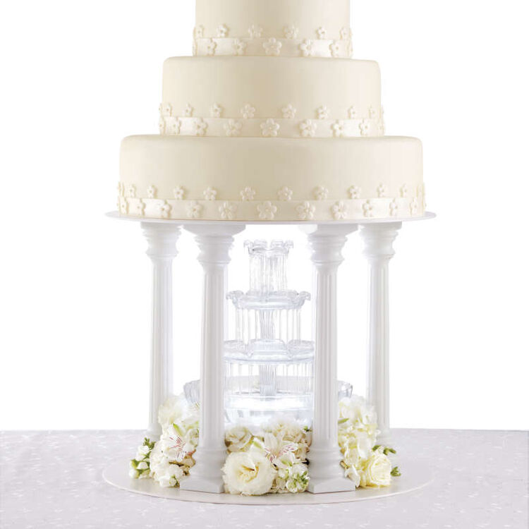 Tiered Wedding Cake with Water Fountain