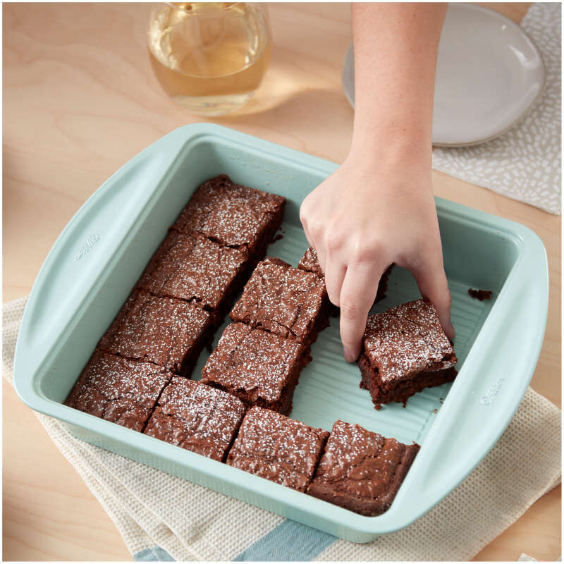 Texturra Performance Non-Stick Bakeware Square Pan, 9 x 9-Inch image number 4