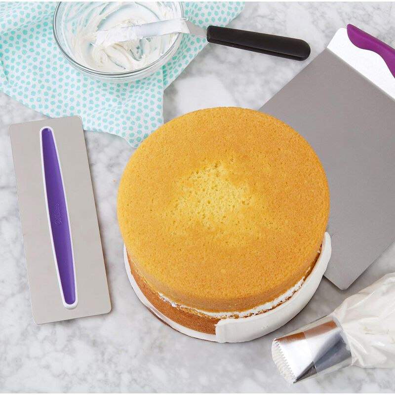Cake Decorating Kit for Beginners - Lifter, Spatula, Icing Tip/Smoother, and Disposable Decorating Bags image number 4