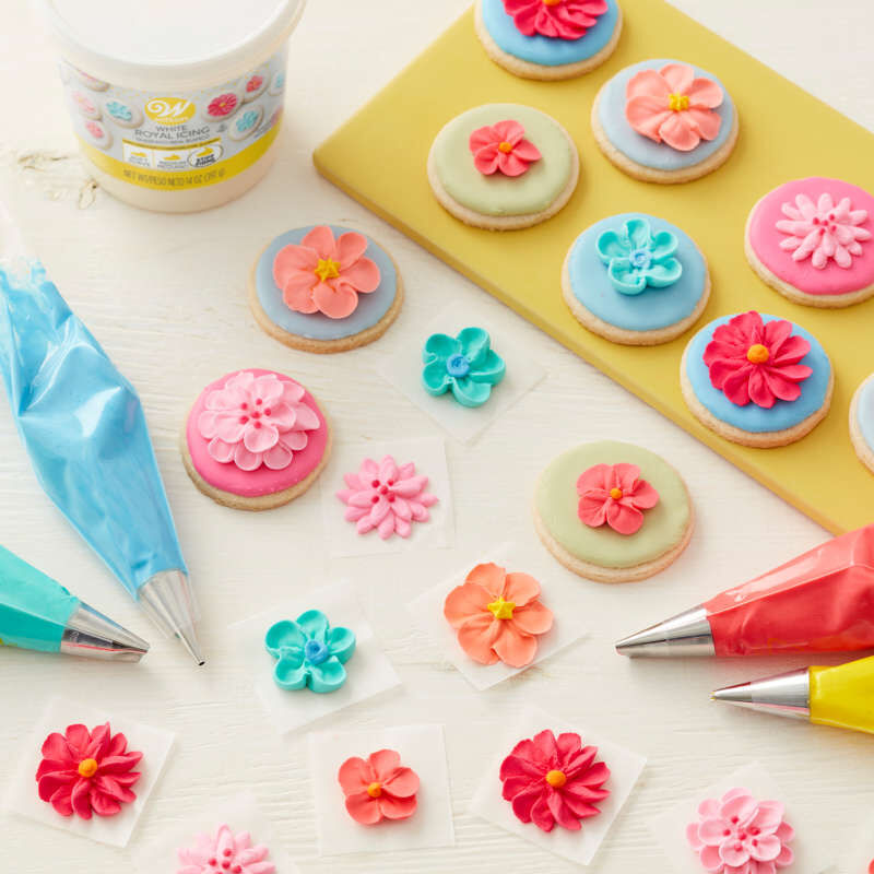 Ready to Use Royal Icing, 14 oz. image number 3