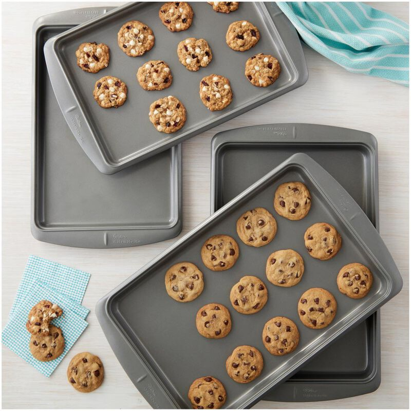 Ever-Glide Non-Stick Large Cookie Pan, 17.25 x 11.5-Inch image number 3