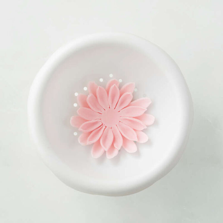 Flower Shaping Bowl in Use