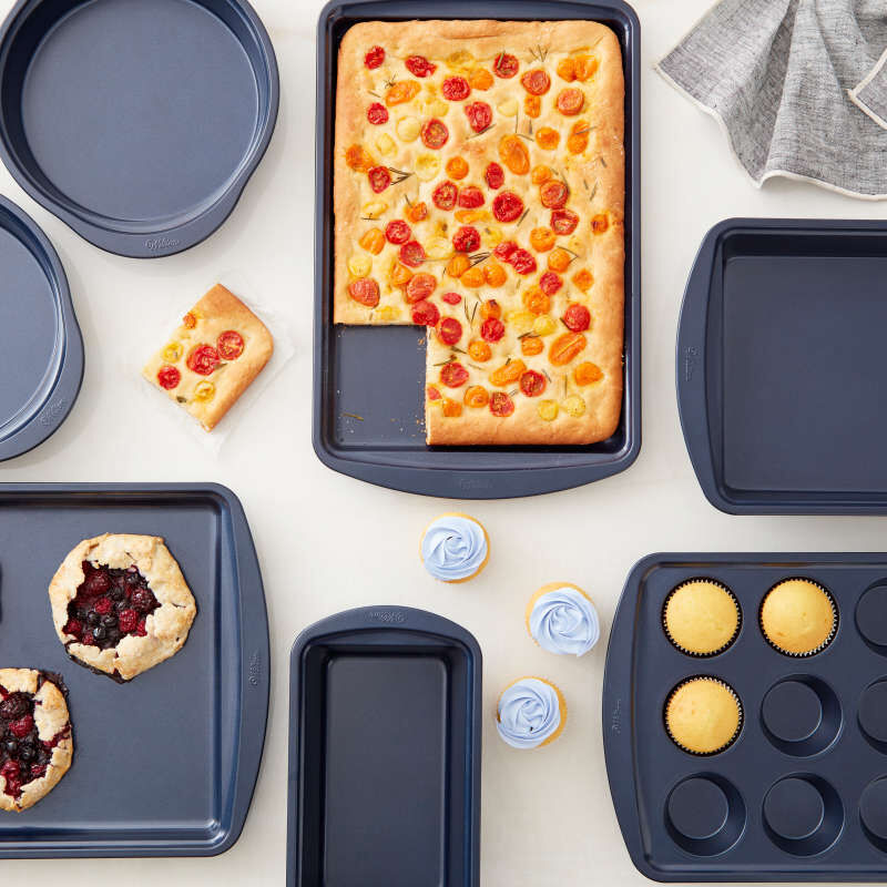 Diamond-Infused Non-Stick Navy Blue Baking Set, 7-Piece image number 4
