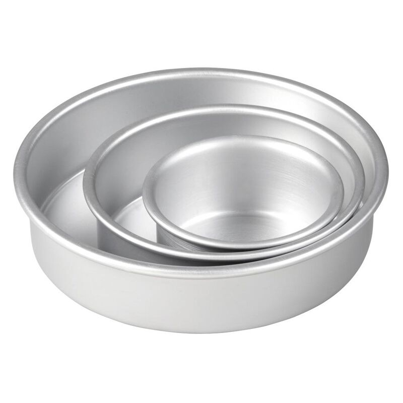 Aluminum Round Cake Pans, 3-Piece Set with 8-Inch, 6-Inch and 4-Inch Cake Pans image number 3
