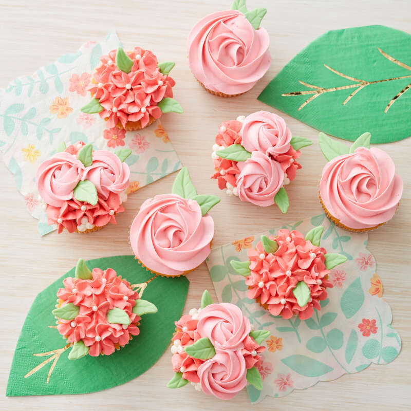 Cake Decorating Drop Flower Tips, 4-Piece Piping Tips Set image number 4