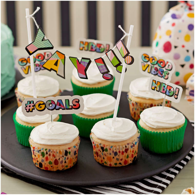 Geometric Print and Solid Green Mini Cupcake Liners, 100-Count image number 3