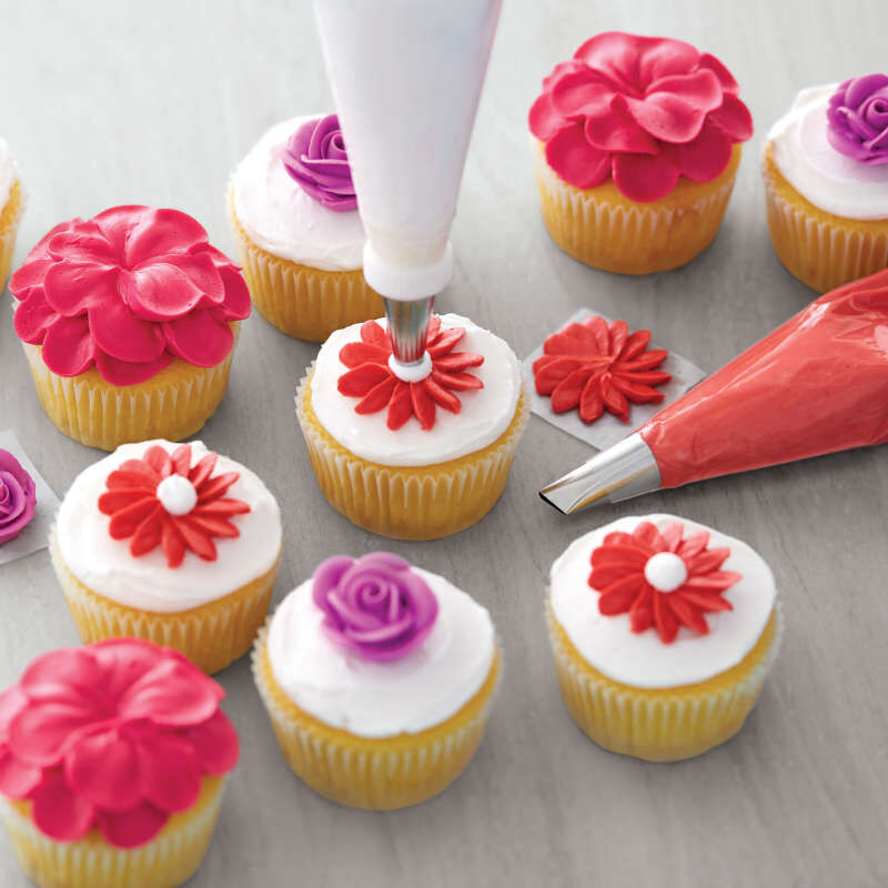 Decorator Preferred Cake Decorating Set, 48-Piece Cake Decorating Tips image number 5