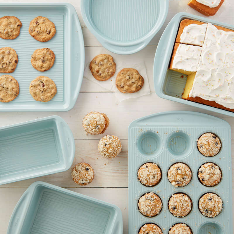 Texturra Performance Non-Stick Bakeware Muffin Pan, 12-Cup image number 5