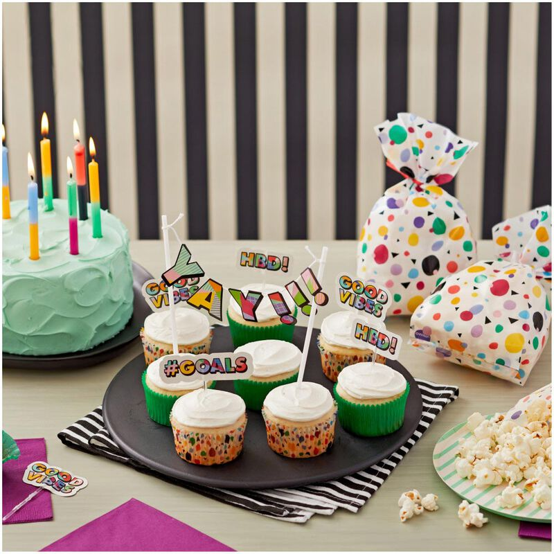 Bring Back the 90s Cupcake Decorating Kit, 5-Piece image number 4