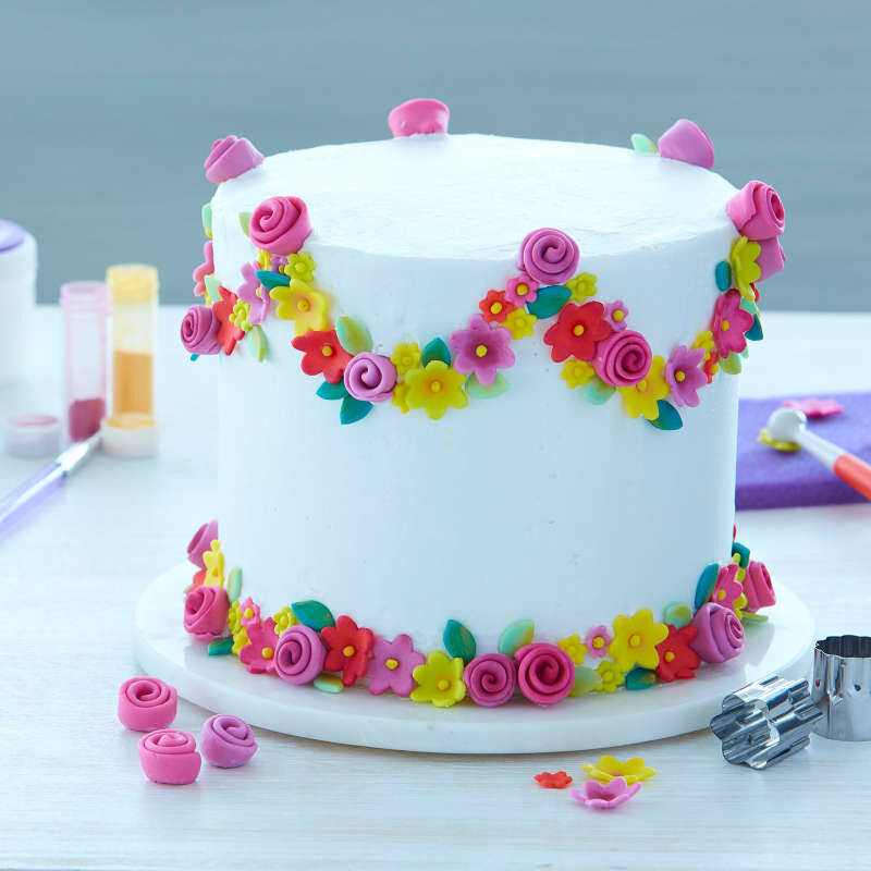 How to Decorate with Fondant Shapes and Cut-Outs Kit, 14-Piece image number 8