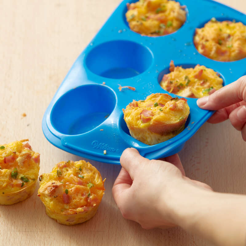 Easy-Flex Silicone Muffin and Cupcake Pan, 6-Cup image number 3
