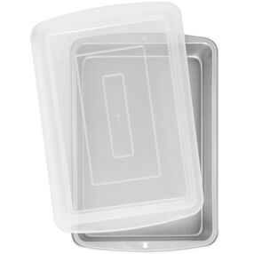 Wilton Cake Pans - Recipe Right 13 x 9 Covered Cake Pan